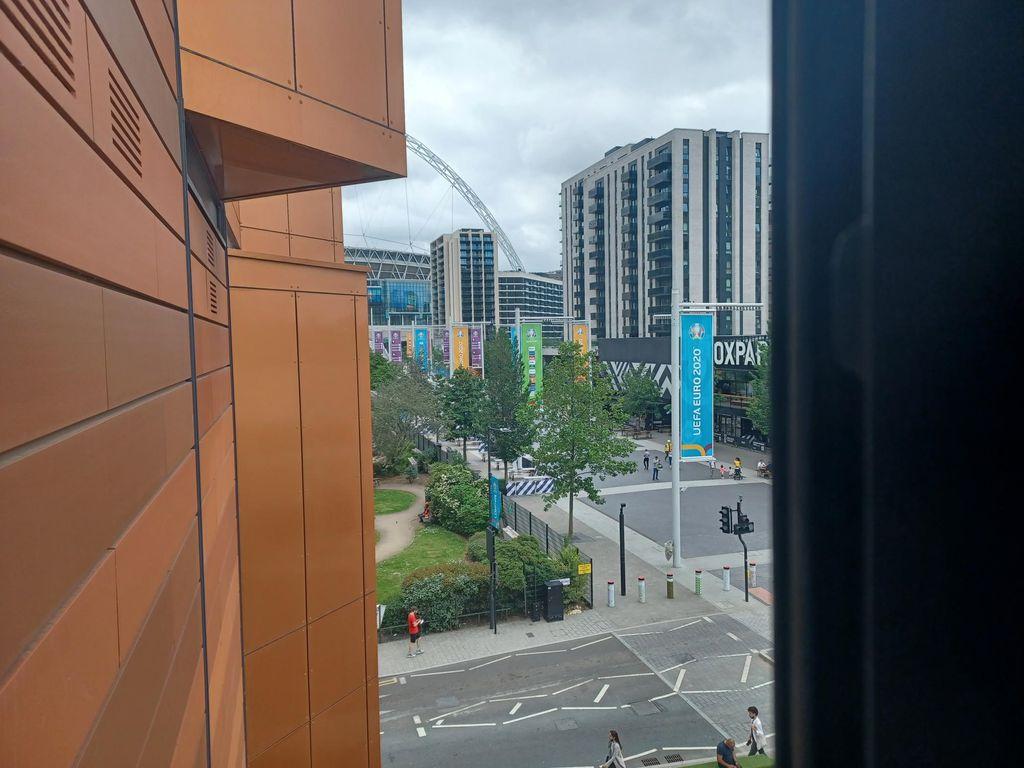 Wembley s prozora hotela Novotel u Londonu