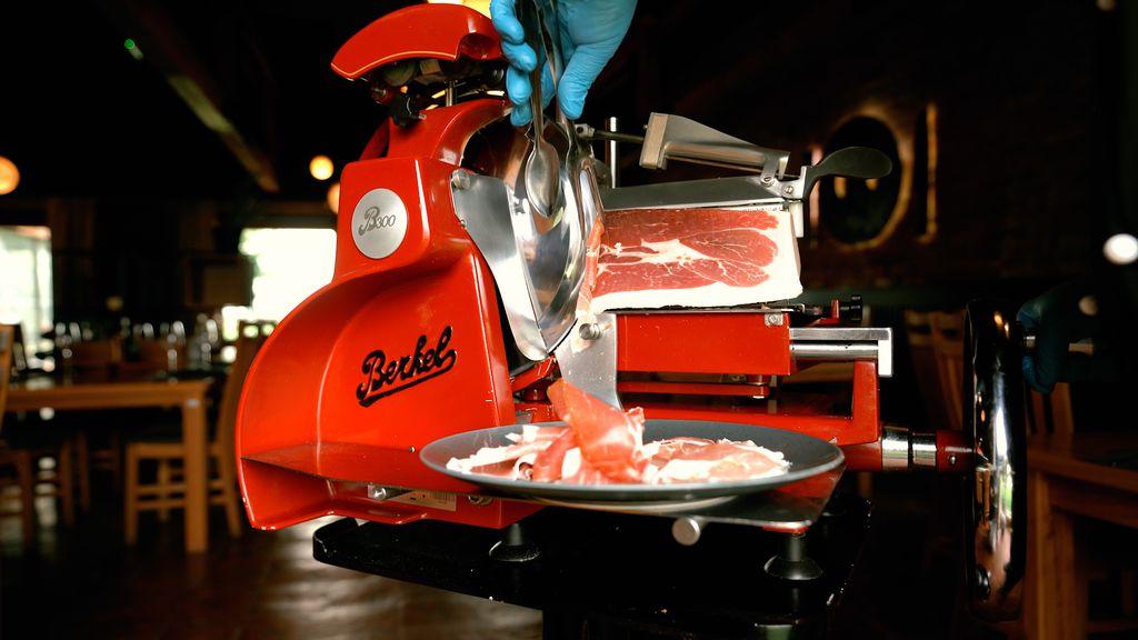 Najbolja debljina za narezivanje pršuta strojno je od 0,6 – 0,7 mm