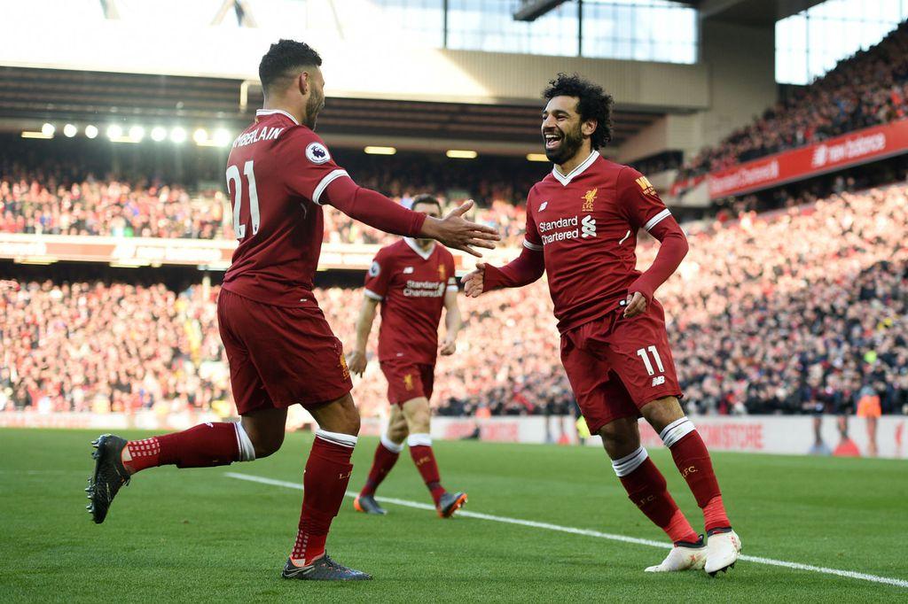 Alex Oxlade-Chamberlain i Mohamed Salah (Foto: AFP)