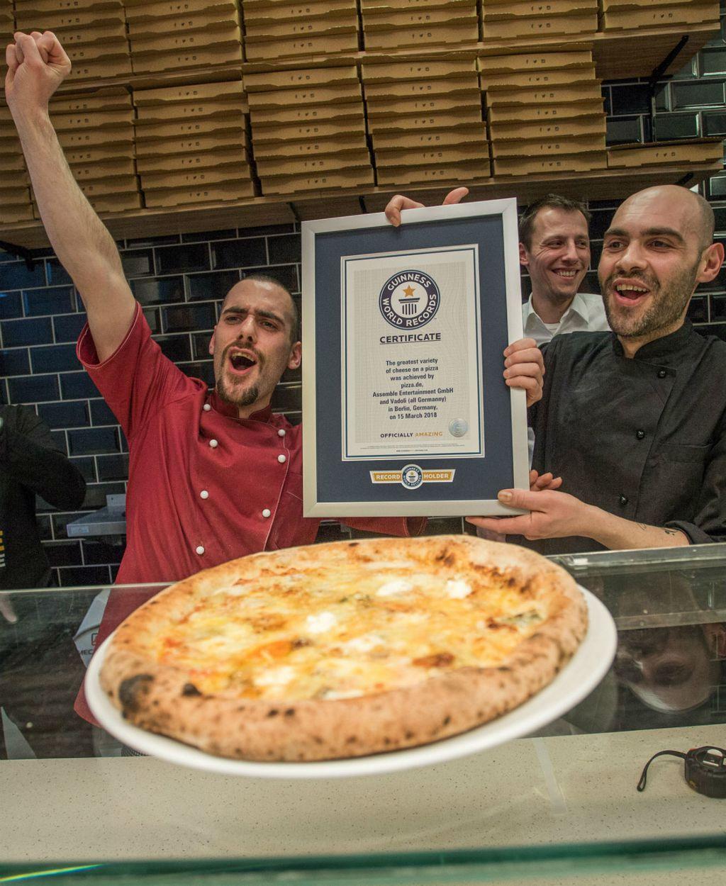 Pizza sa 111 vrsta sira - 2