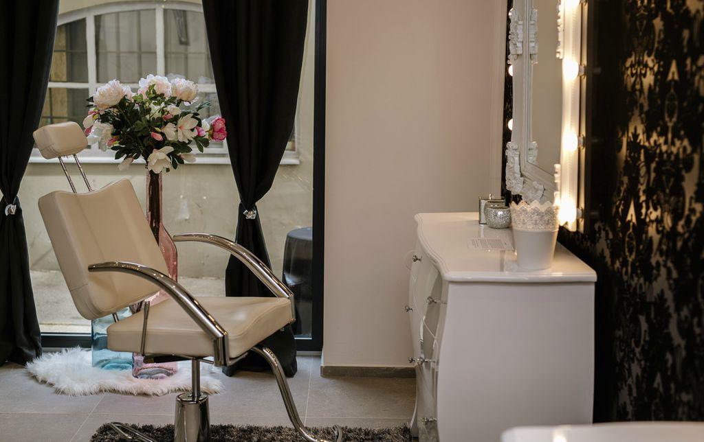 TB make UP beauty studio