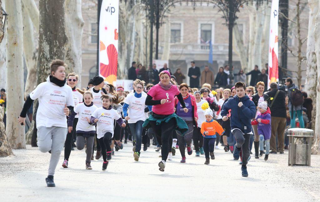 U organizaciji Udruga žena oboljelih i liječenih od raka SVE za NJU održana je na Zrinjevcu javnozdravstvena akcija \'Budimo zajedno - Utrka za fajterice\' - 2