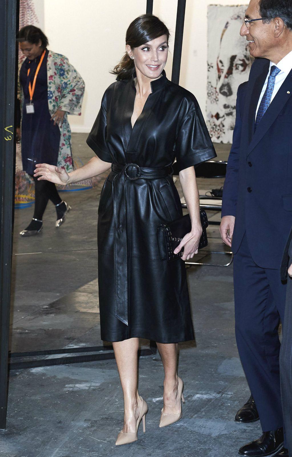 Letizia na otvaranju sajma ARCO 2019 u kožnatoj haljini