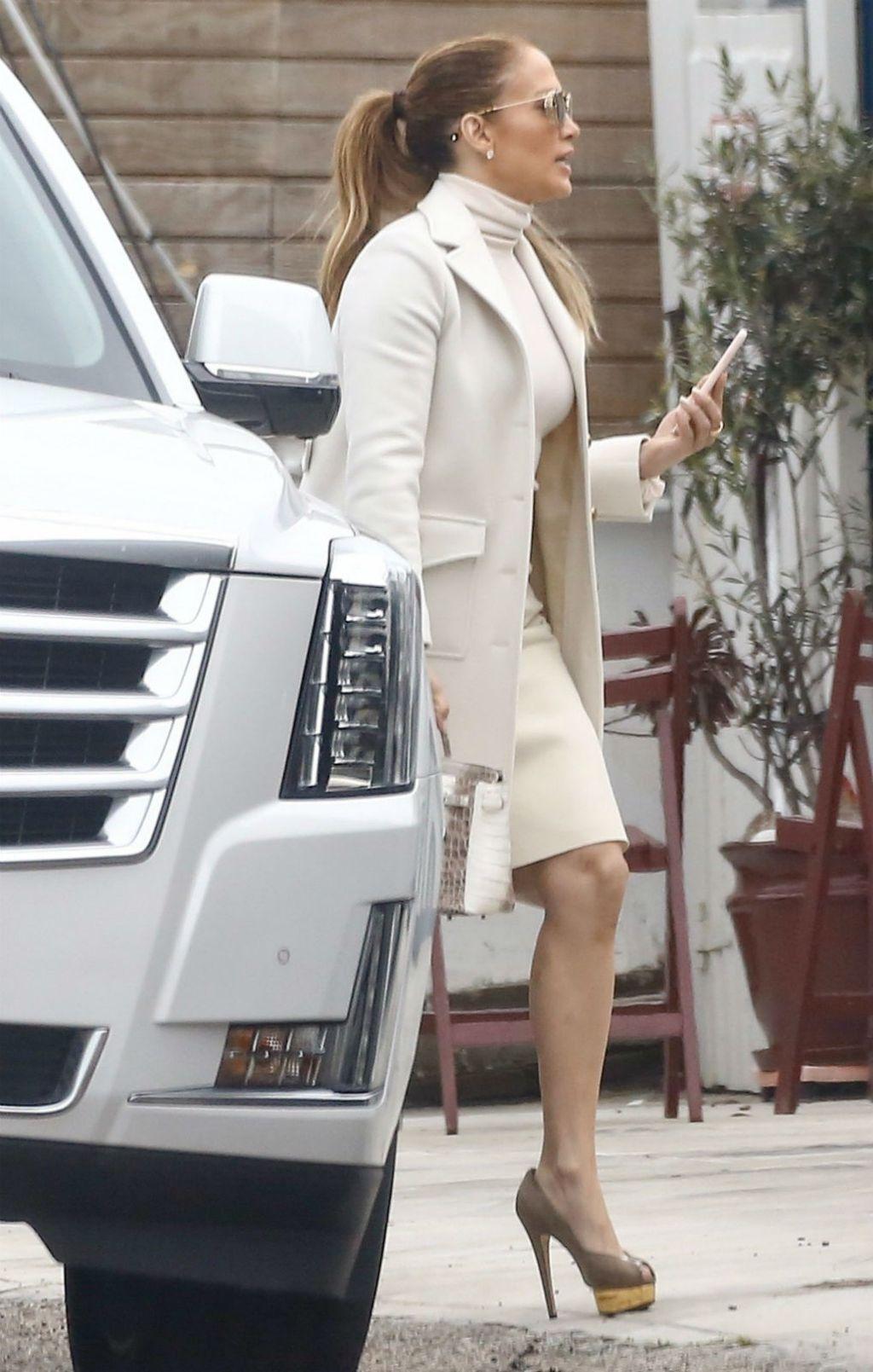 Jennifer Lopez u štiklama neboderkama - 4