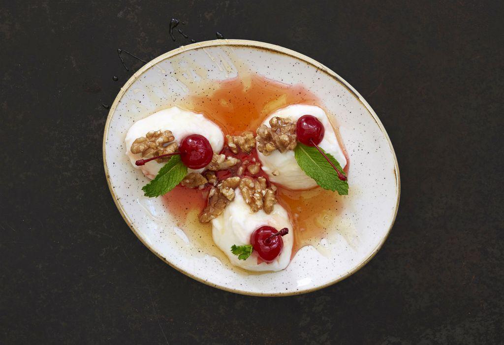 Labneh je aromatični sir koji se radi od jogurta