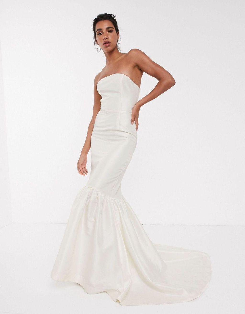 ASOS vjenčanica, 150 funti (1296,61 kn)