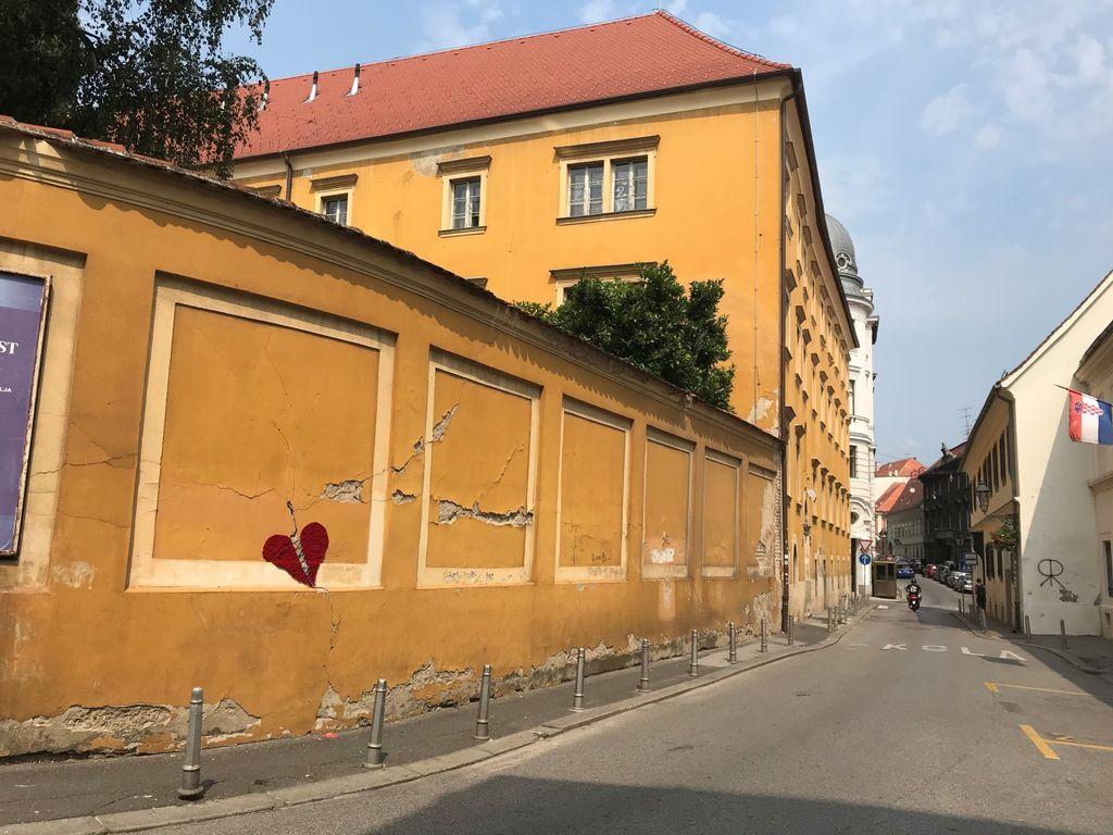 Srce na zagrebačkoj fasadi postalo je simbolom nade - 2