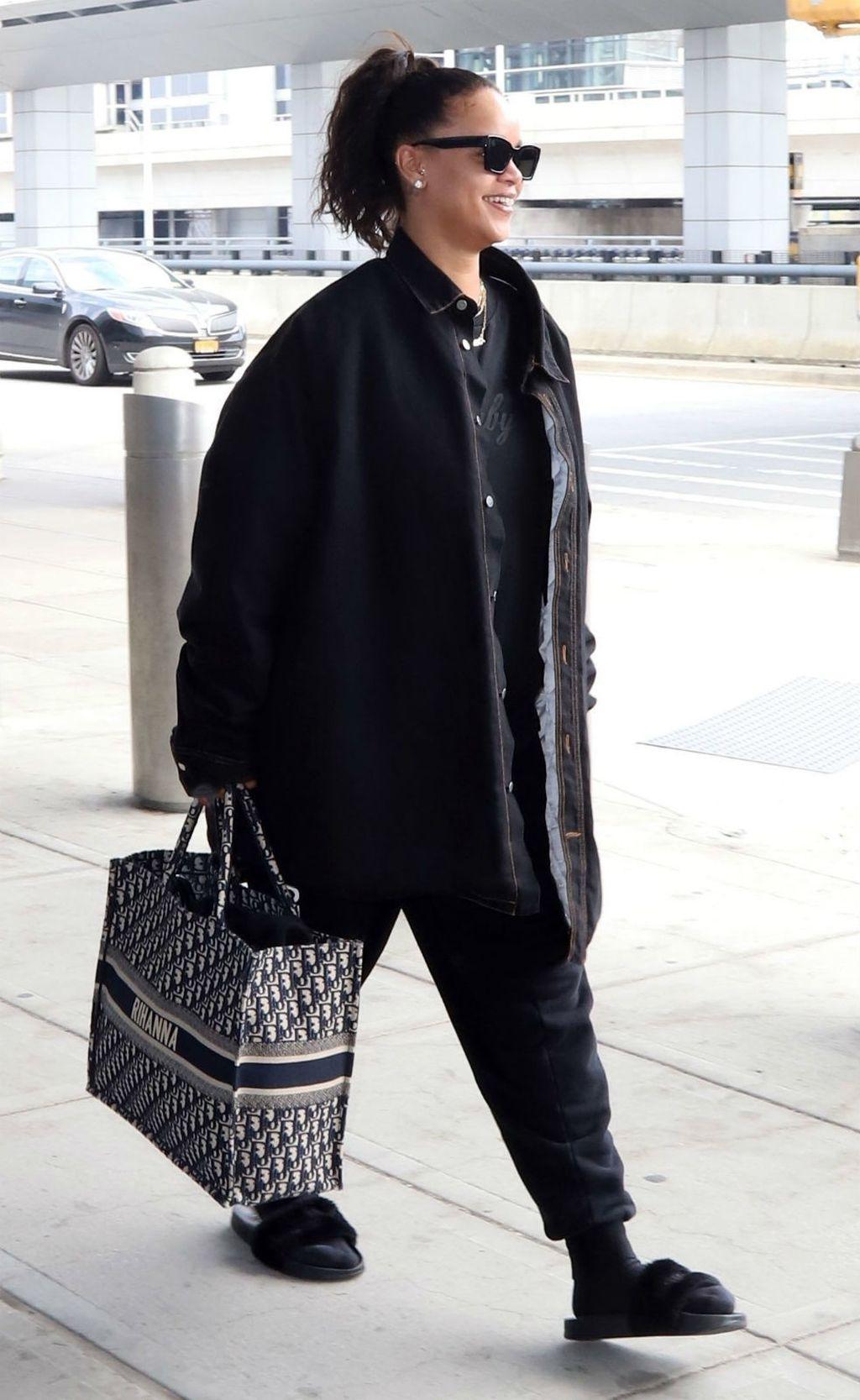 Rihanna u \'nespojivoj\' modnoj kombinaciji - 4