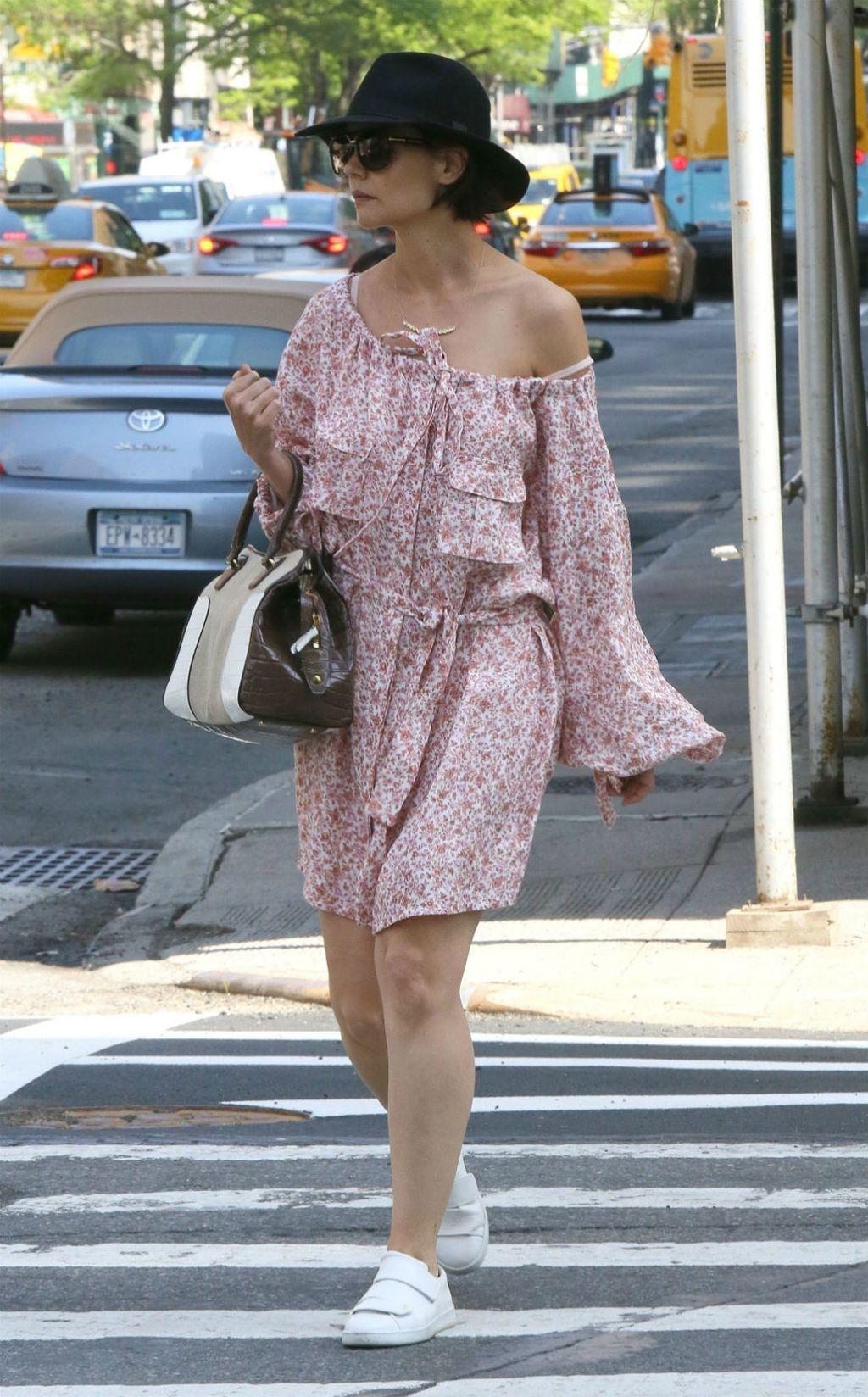 Katie Holmes u boho-chic haljinici modnog brenda Zimmermann - 6