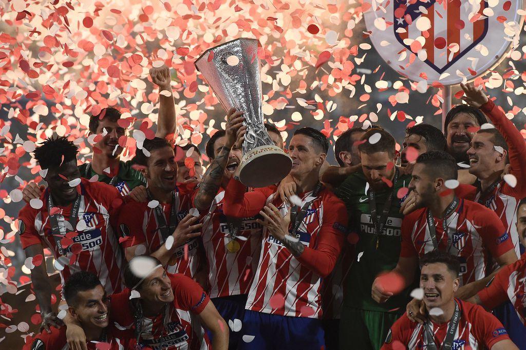 Torres slavi sa suigračima (Foto: AFP)
