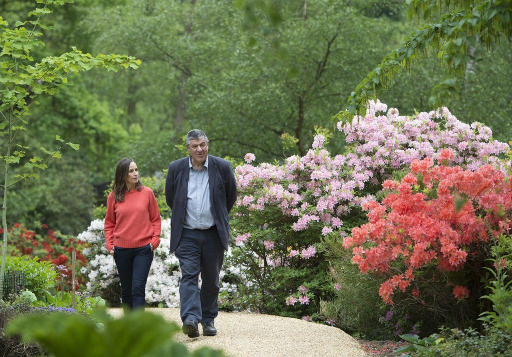 Cvjetna aranžerka Philippa Craddock i čuvar vrtova John Anderson izabrali su cvijeće za kraljevsko vjenčanje