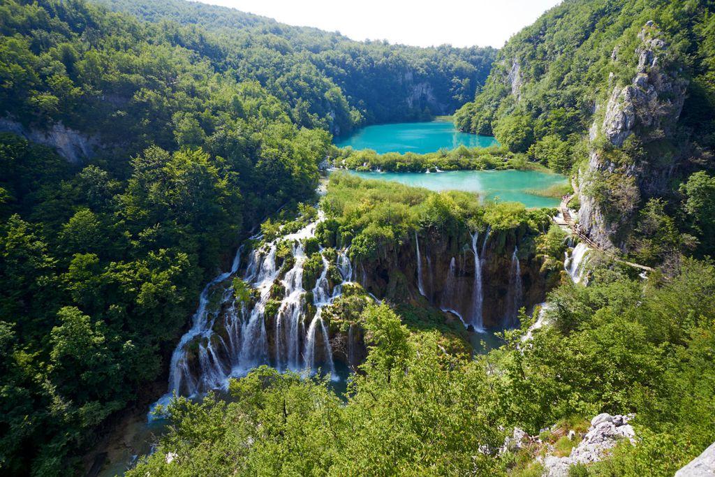 Hrvatska ima osam prekrasnih nacionalnih parkova, a Plitivice su najpopularnije