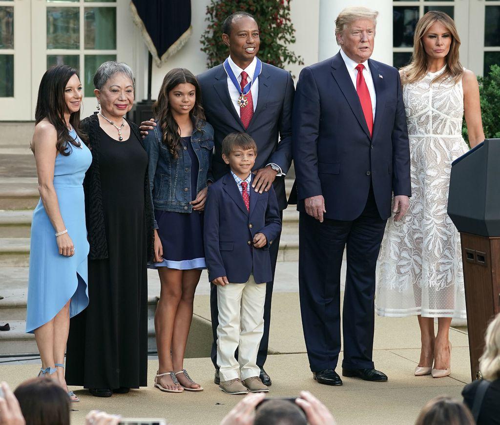 Melania Trump u \'goloj\' haljini modne kuće Elie Saab - 5