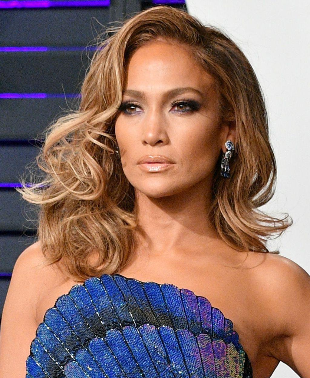 Jennifer Lopez ima mednu nijansu kose
