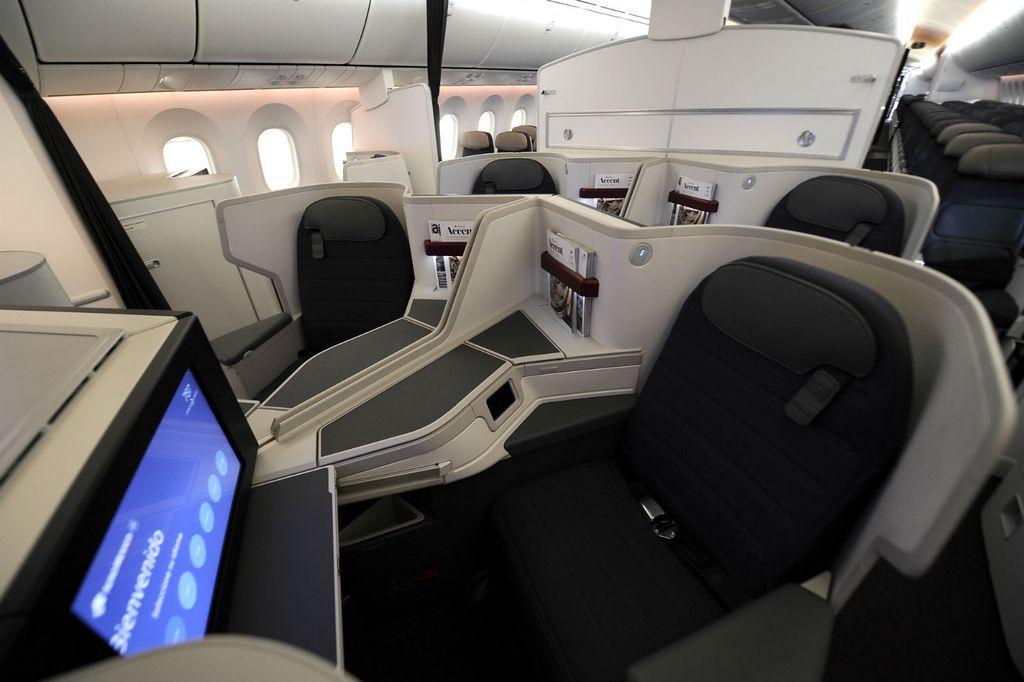 Udobna unutrašnjost Boeinga 787-9 Dreamlinera