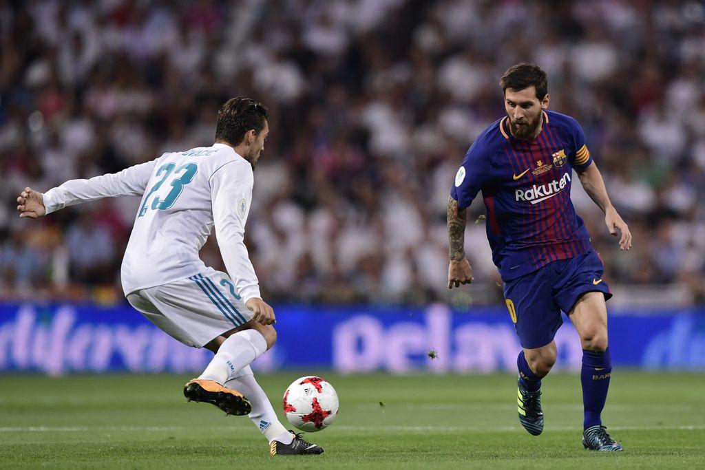 Lionel Messi i Mateo Kovačić (Foto: AFP)