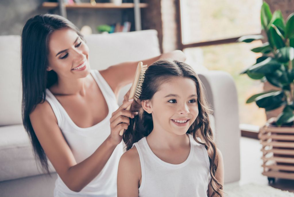 Djevojčice ne smiju slušati mamu kako se kritizira
