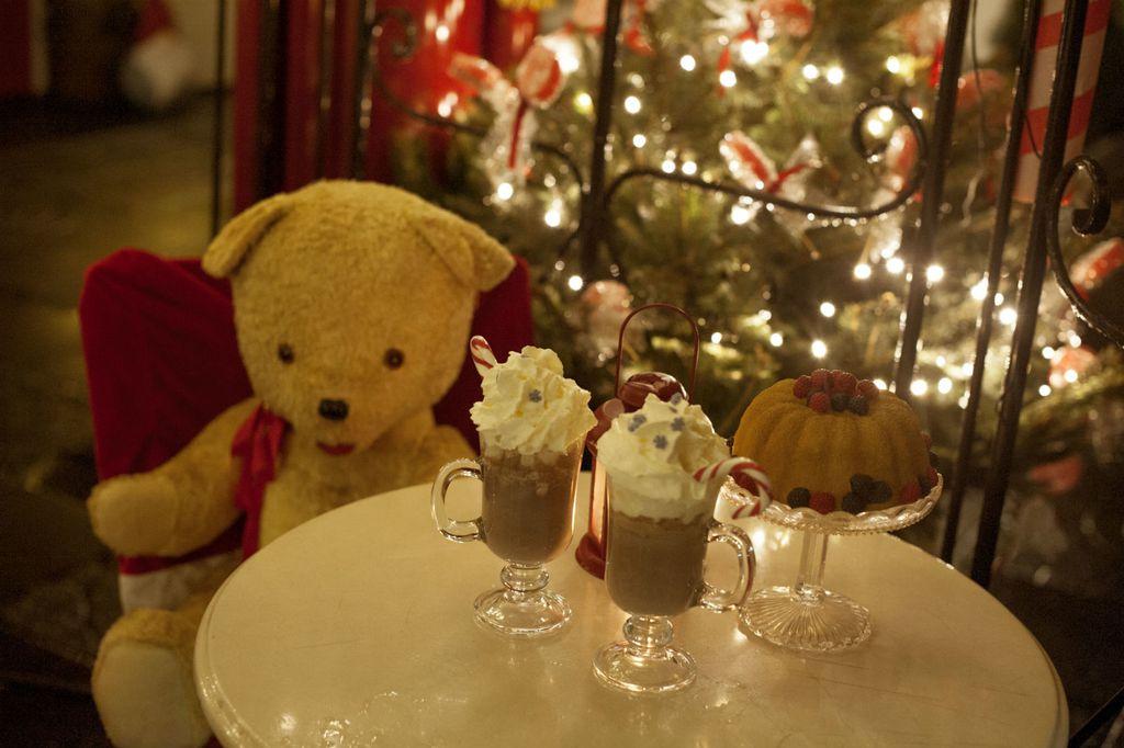 Božićna bajka u caffe baru Finjak - 9