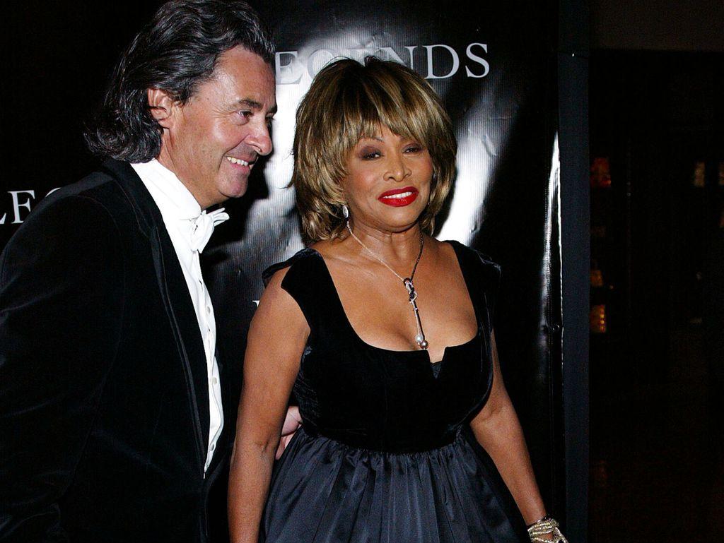 Danas pjevačica živi u Švicarskoj sa suprugom Erwinom Bachom