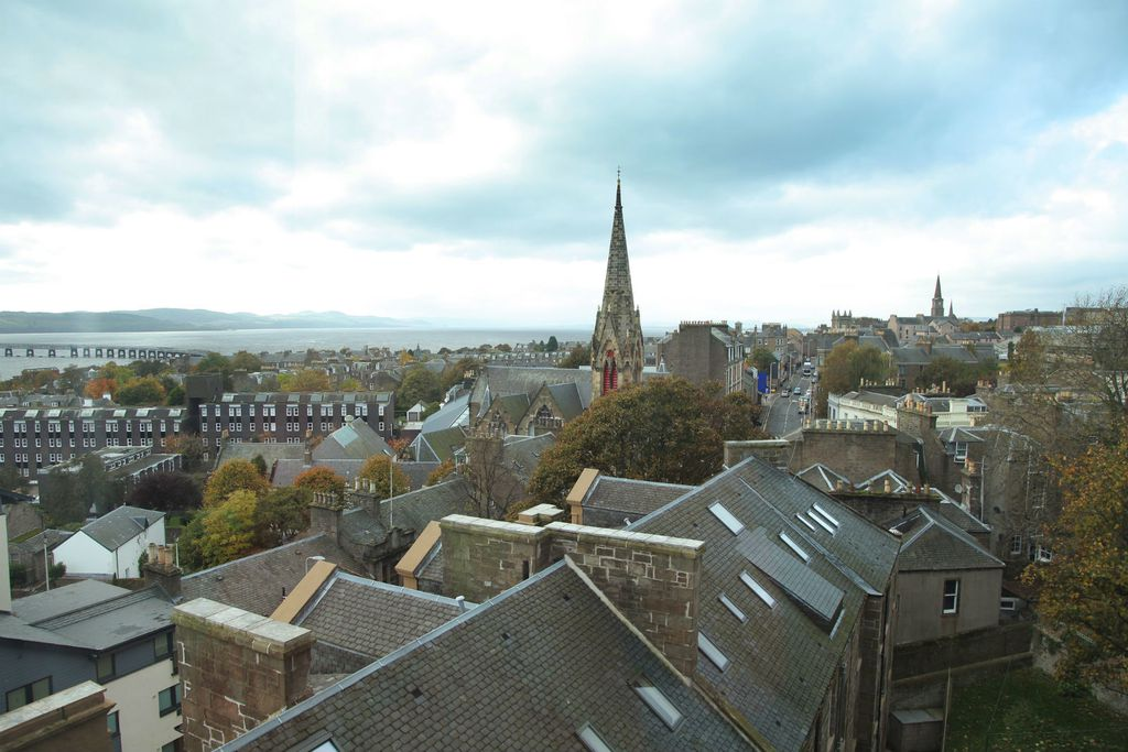 Dundee - 2