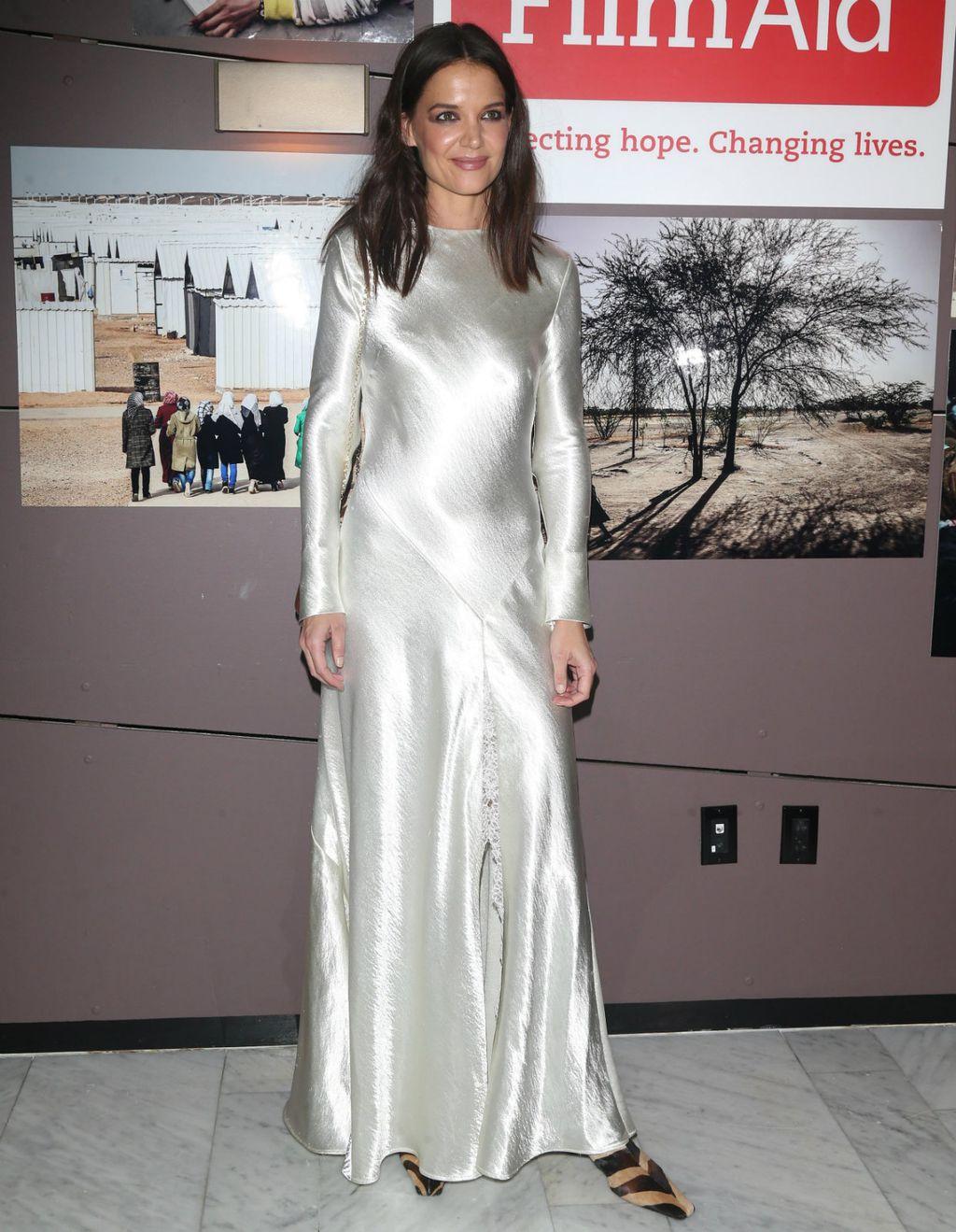 Katie Holmes u haljini brenda Philosophy di Lorenzo Serafini