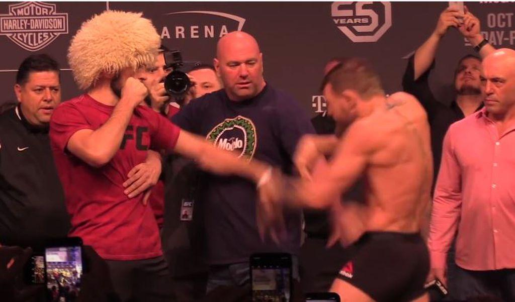 McGregor udario Habiba po rukama (Screenshot)