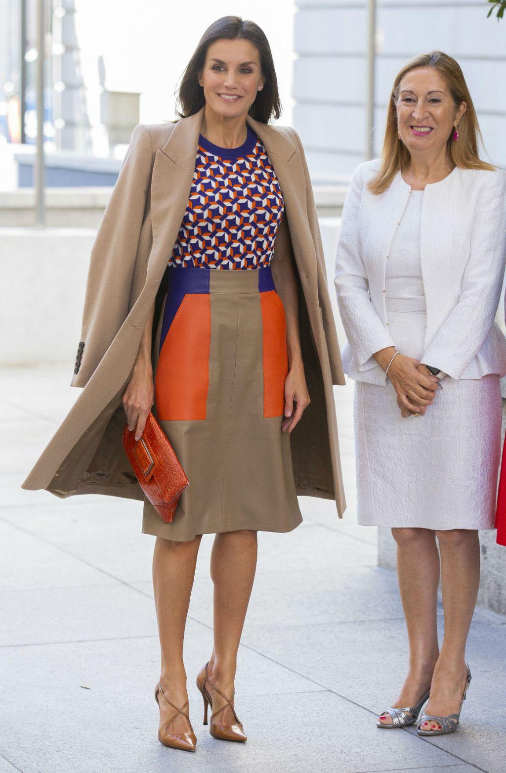 Kraljica Letizia u suknji koja bi se svidjela i Meghan Markle - 1