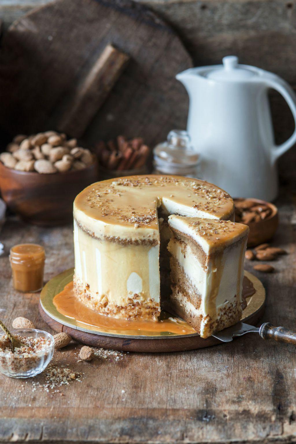 Bundevu možete iskoristiti i za pripremu torte s karamelom i bademima