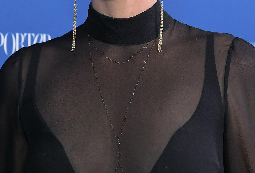 Dijamantni lanac za tijelo brenda Jacquie Aiche glumica je nosila ispod haljine