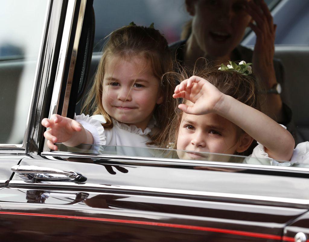 Theodora Williams, kći Robbieja Williamsa bila je djeveruša na vjenčanju princeze Eugenie - 3