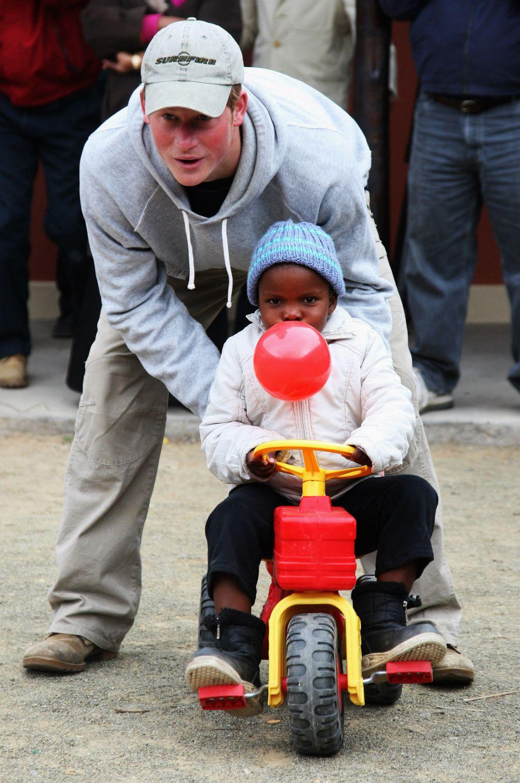 Princ Harry obožava djecu - 11