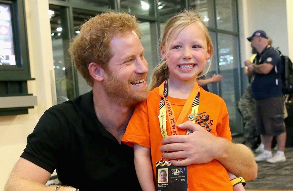Princ Harry obožava djecu - 15