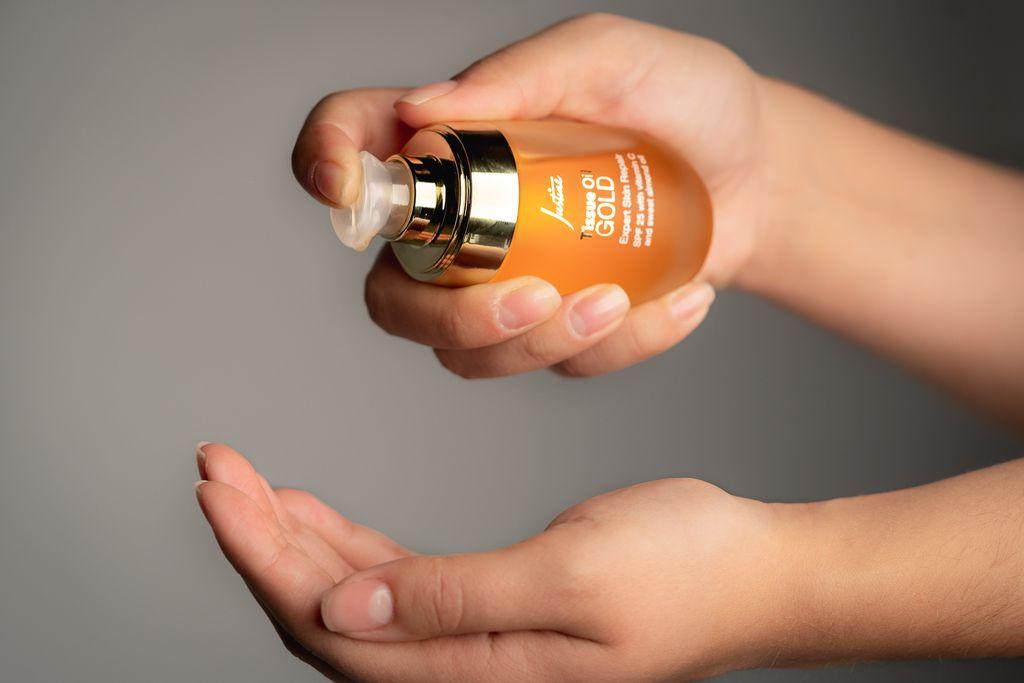 Avon Justine ulje za tijelo i lice