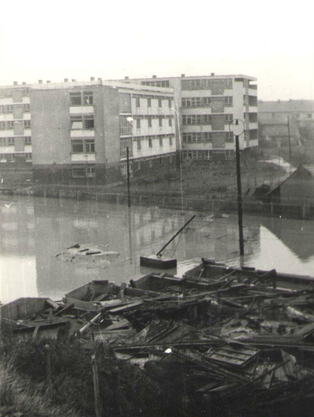 Po ulicama se preljevalo pola metra do jedan metar vode