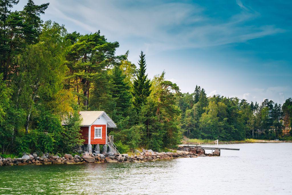 Finska kućica uz jezero
