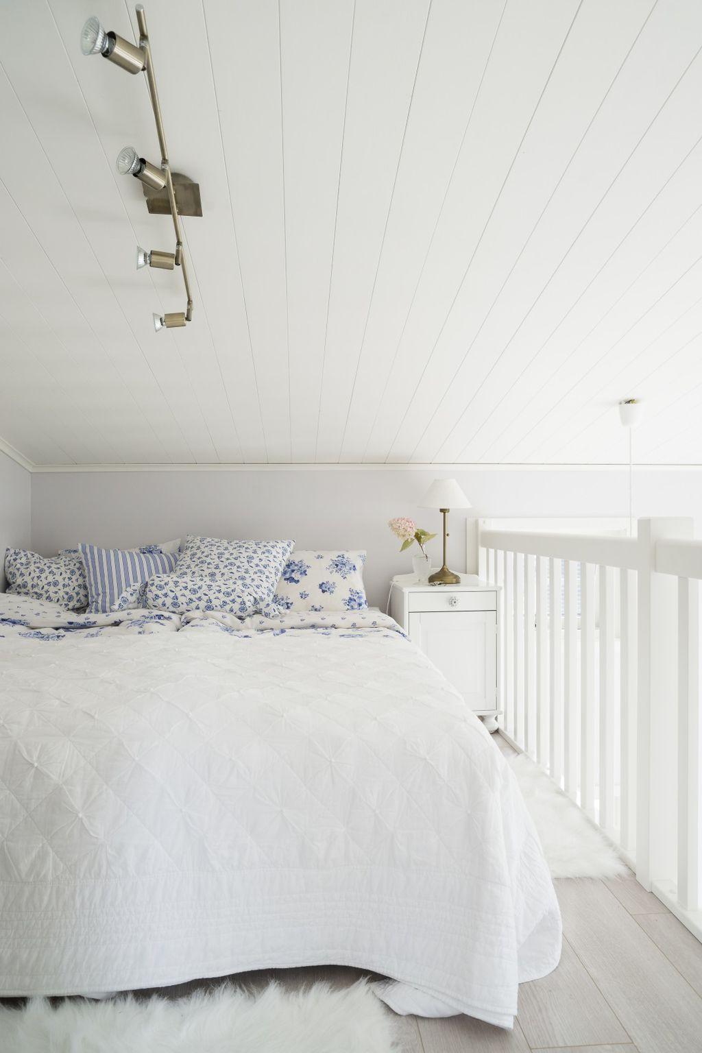 Kuća uređena u bijelo-plavoj kombinaciji - 5