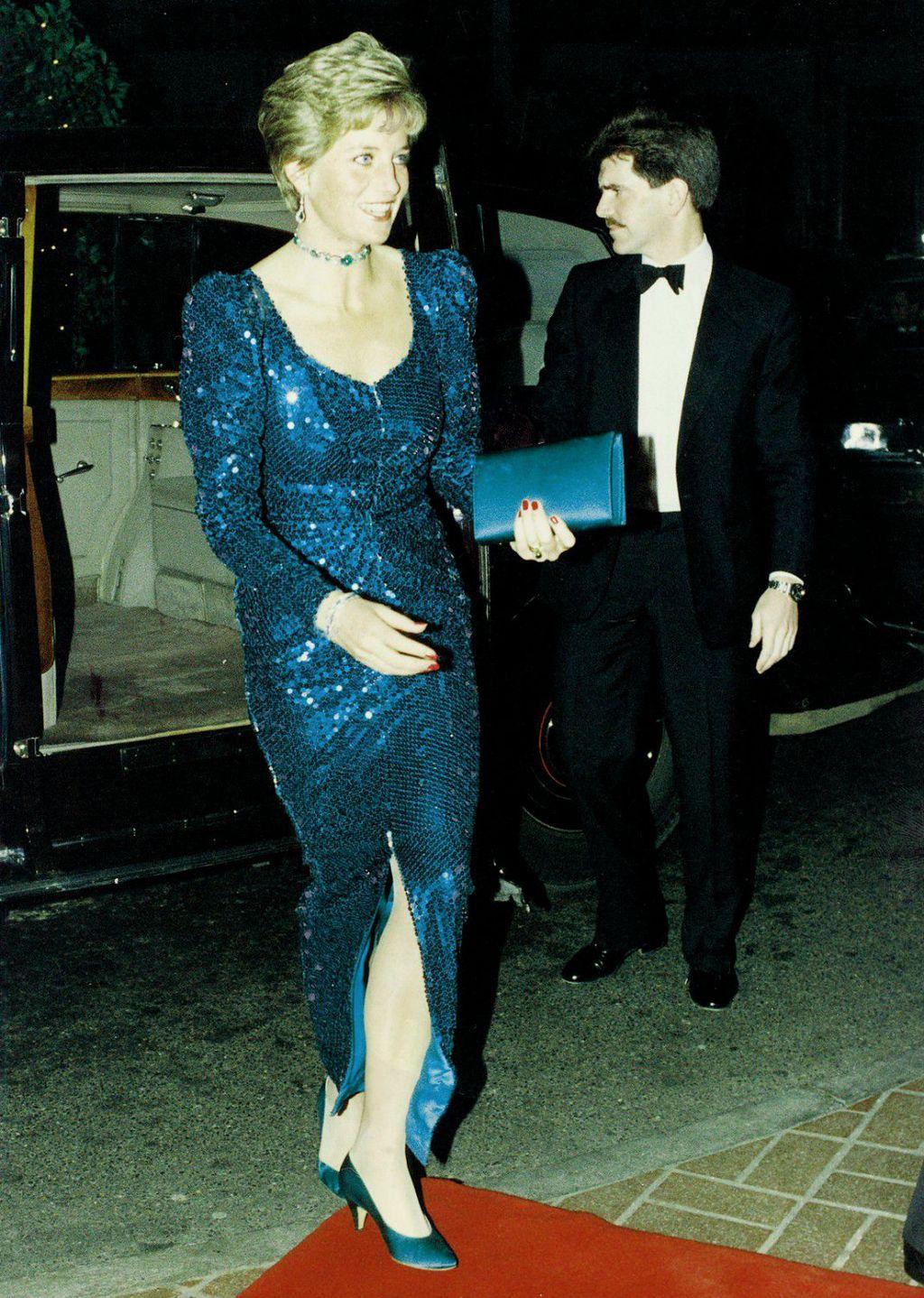 Šljokičastu haljinu nosila je i 1990. na humanitarnom balu