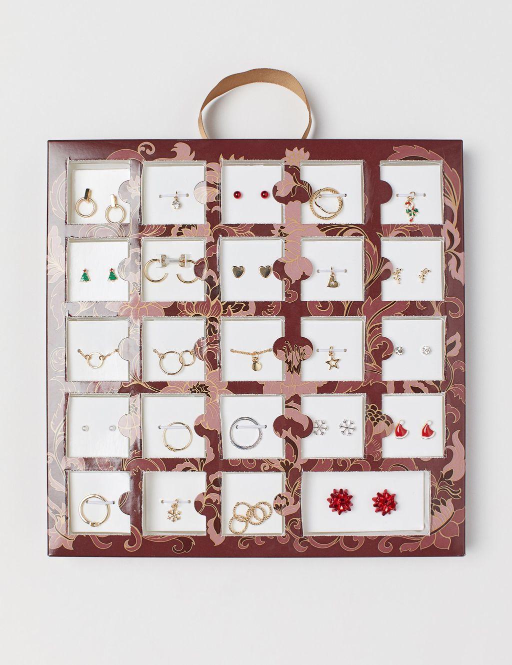 Adventski kalendar iz H&M-a s nakitom - 2
