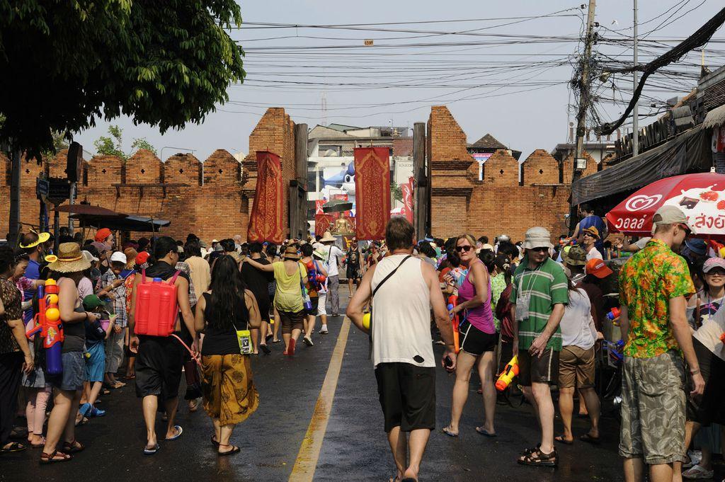 Pae Gate