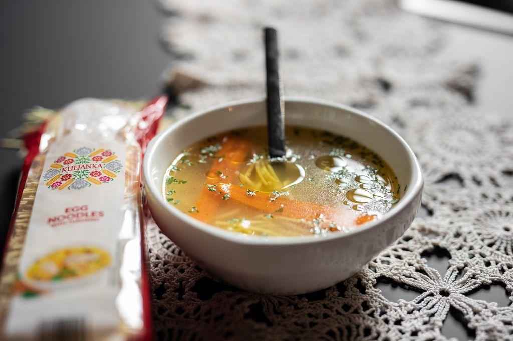 Bistra mesna juha s Kuljanka rezancima s jajima