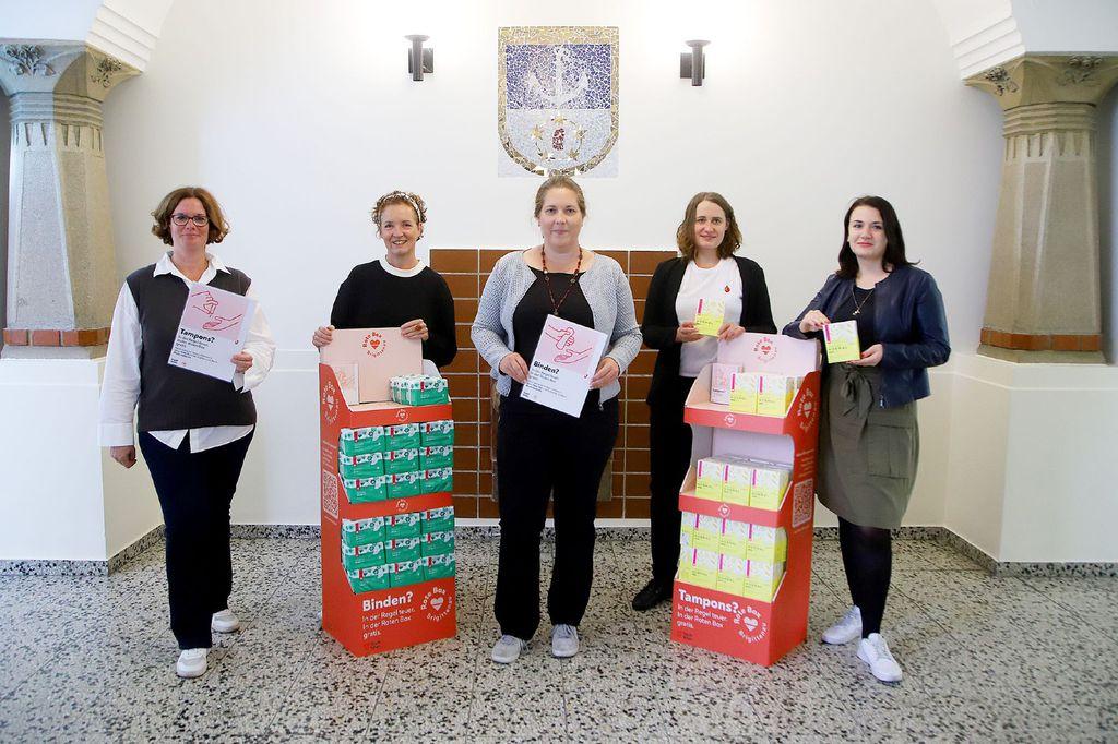Crvene kutije sadržavat će tampone i higijenske uloške za žene kojima je to najpotrebnije