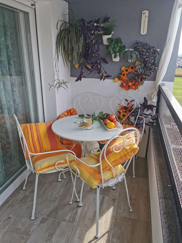 Ljupki mali balkon u Bjelovaru uređen u jesenskom ugođaju - 6