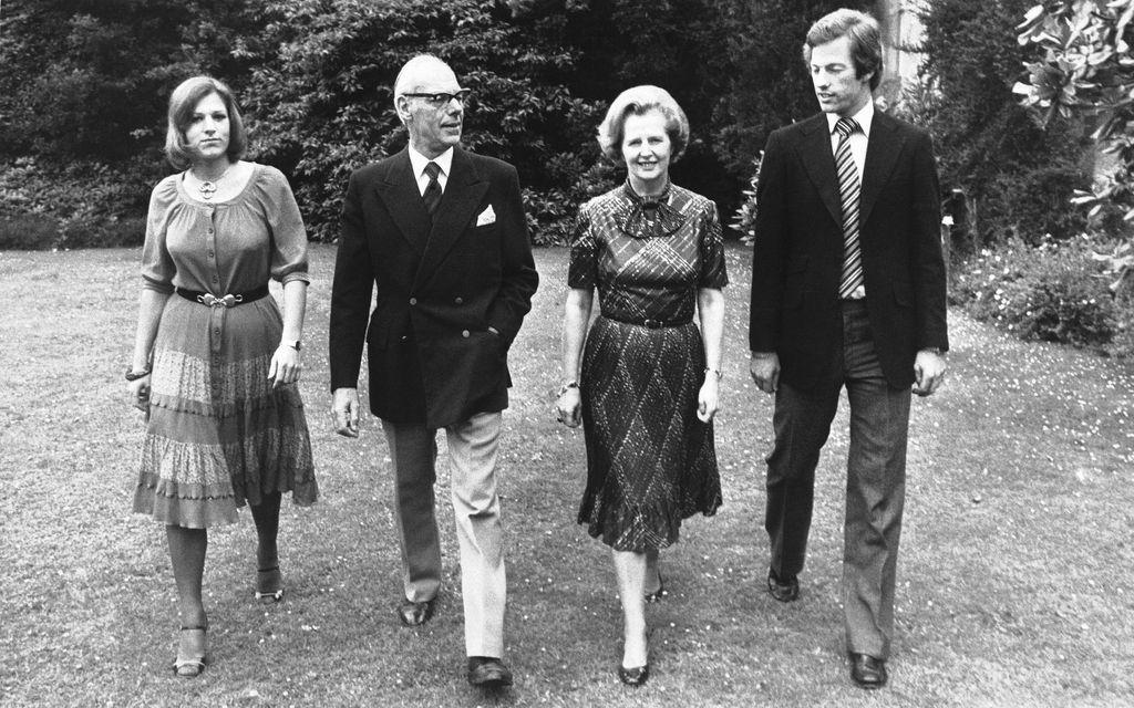 Denis i Margaret Thatcher sa svojom djecom Carol i Markom