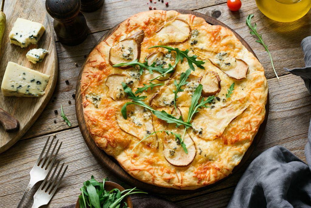 Kruške možete staviti i na pizzu s četiri vrste sira