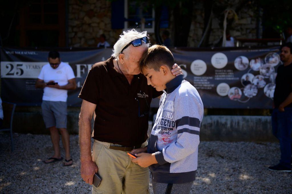 Djed i unuk