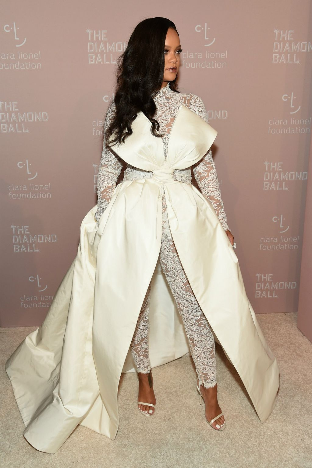 Rihanna u kombinezonu brenda Alexis Mabille