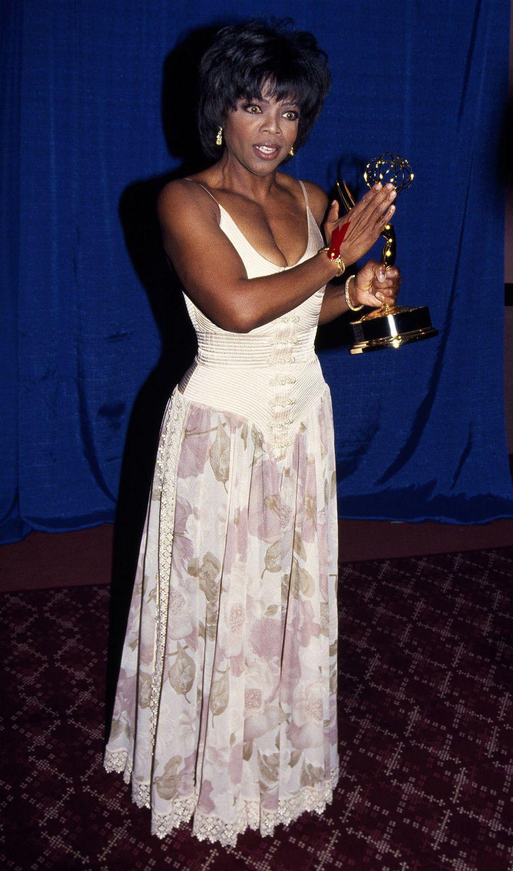 Oprah Winfrey na dodjeli nagrada Emmy 1994. godine - 3