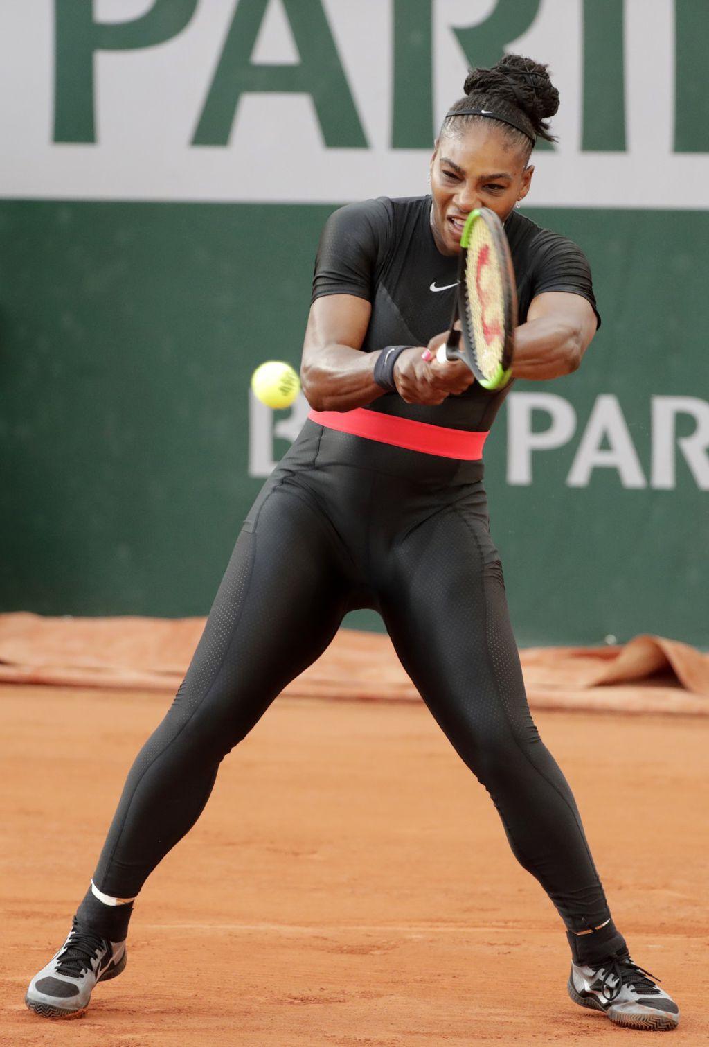 Zbog crnog kostima Serena Williams bila je optužena da krši pravila odijevanja na teniskom terenu