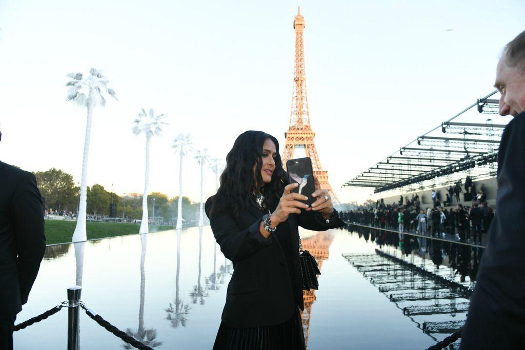 Salma Hayek na reviji modne kuće Saint Laurent