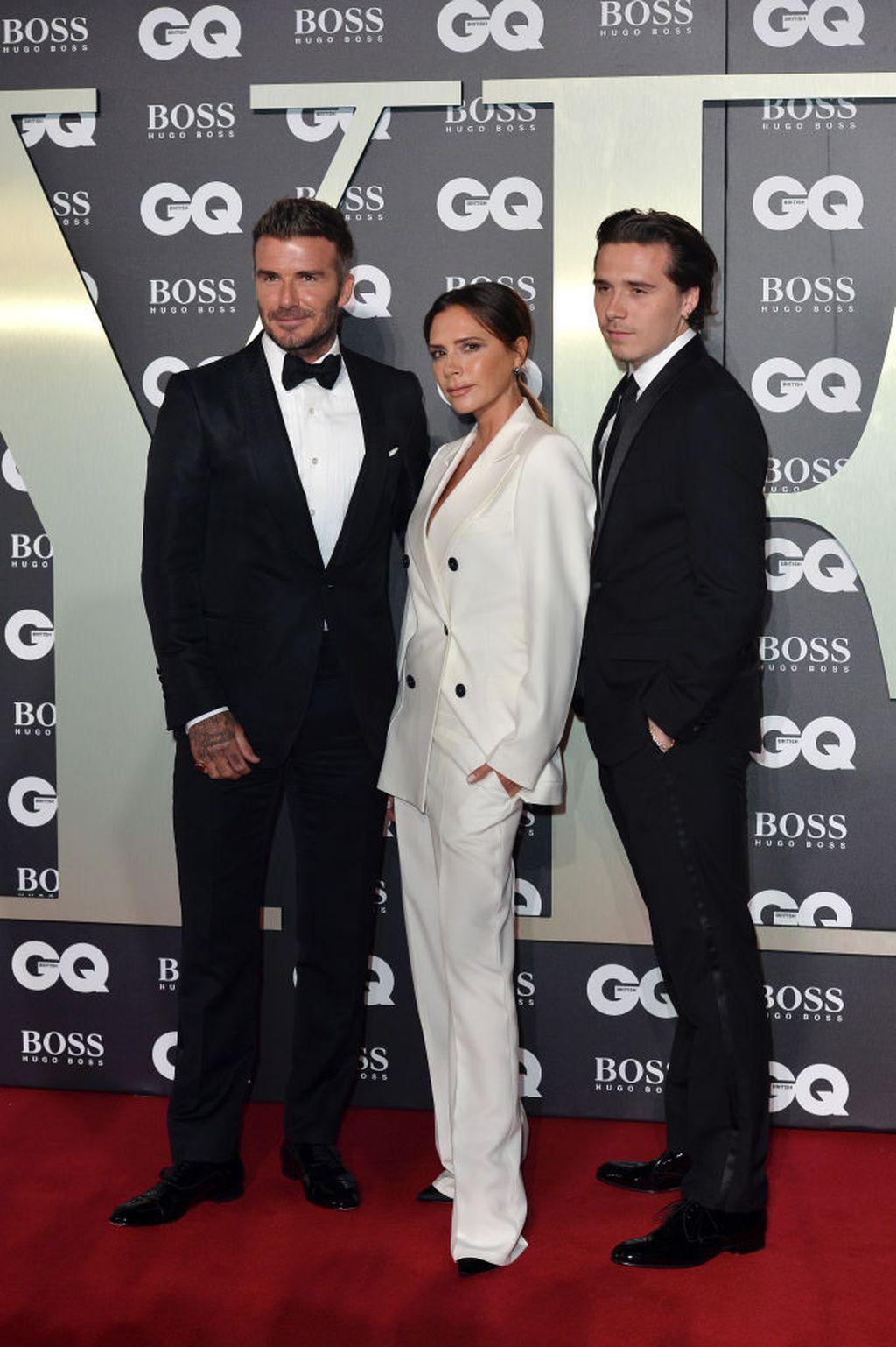 David, Victoria i Brooklyn Beckham na dodjeli nagrada